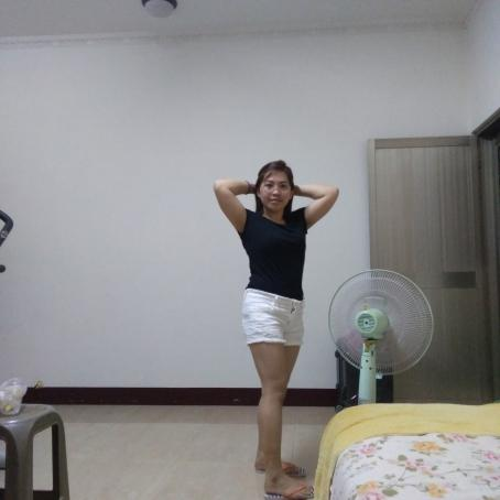Vec, 29, Philippines