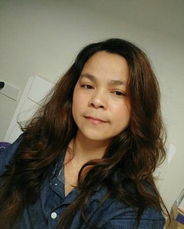 Suzette Cabanillas, 37, Philippines