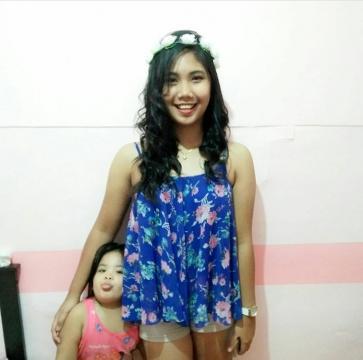 Maricar, 21, Philippines