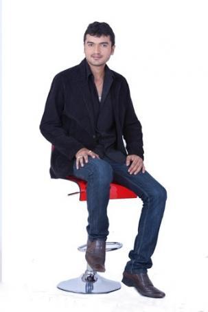 Raj Varma, 32