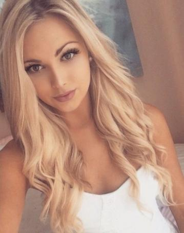 Carly, 19, United States