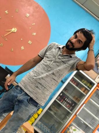 Araz, 22, Iraq